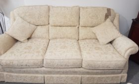 click to view malvern 3 seater